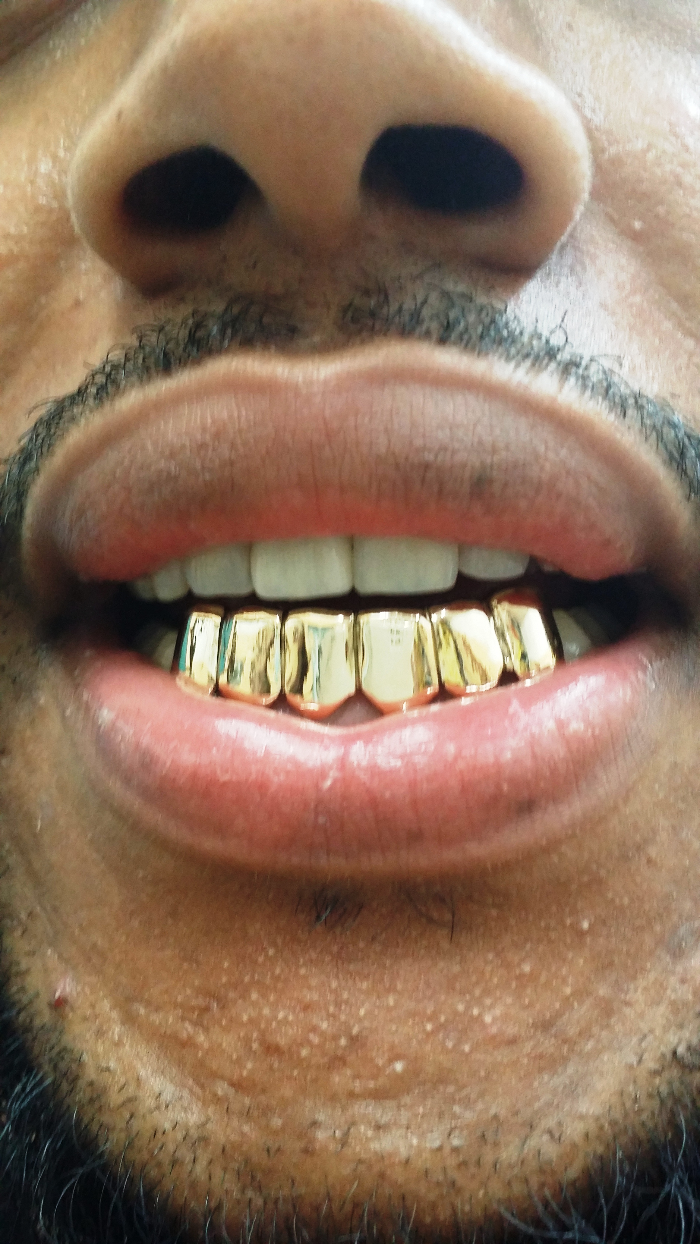 The fashion vampires with gold teeth 94